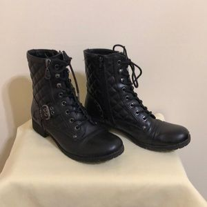 Black boots by Guess